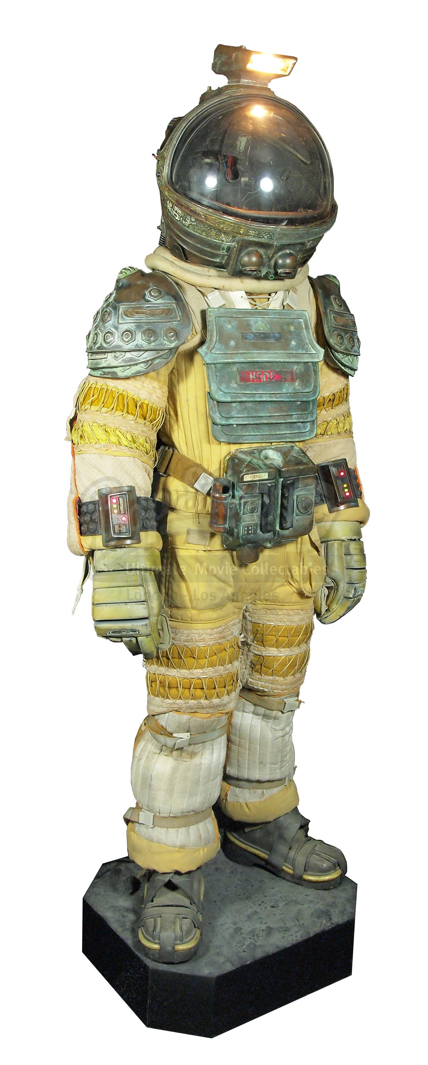 dallas alien 1979 space suit - photo #31