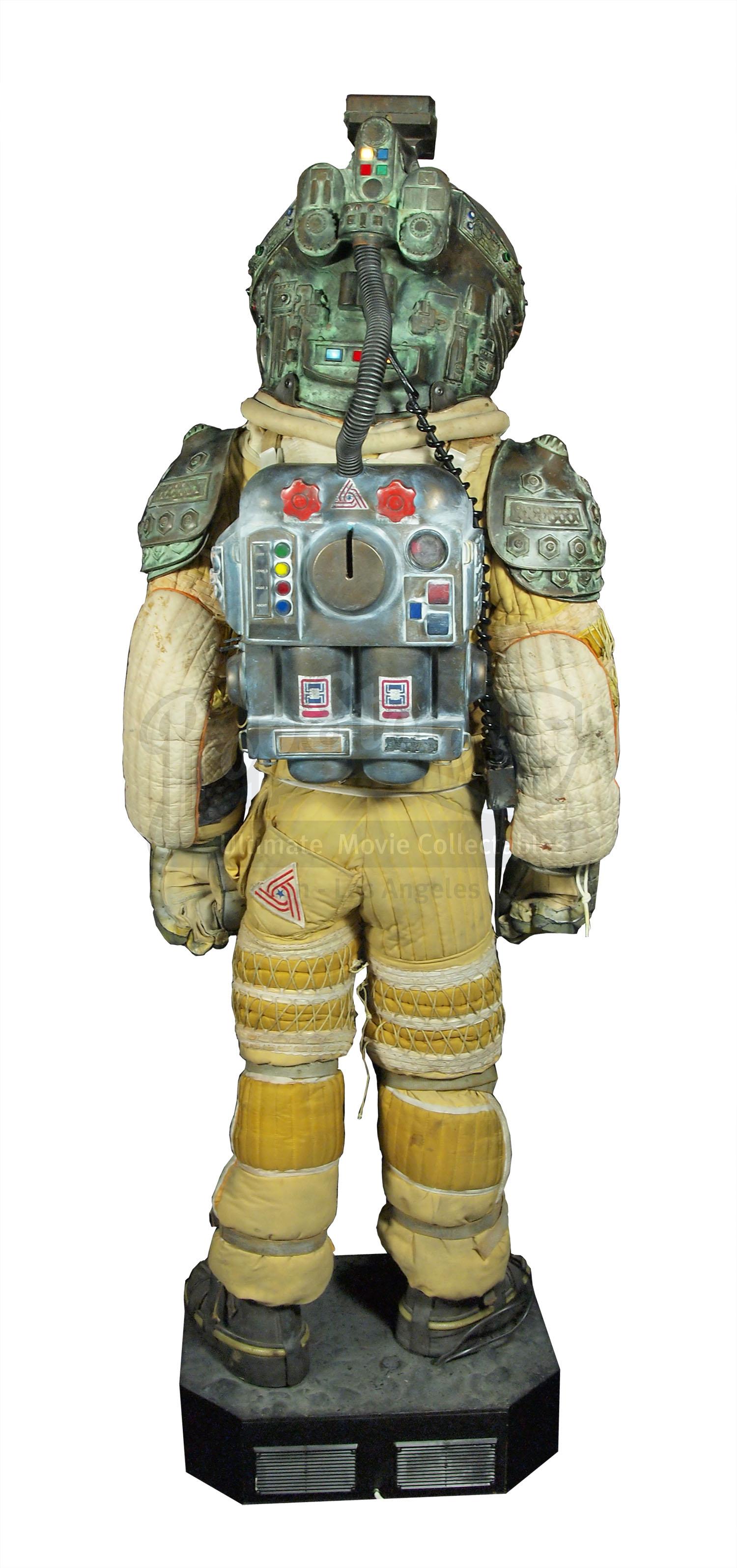 dallas alien 1979 space suit - photo #48