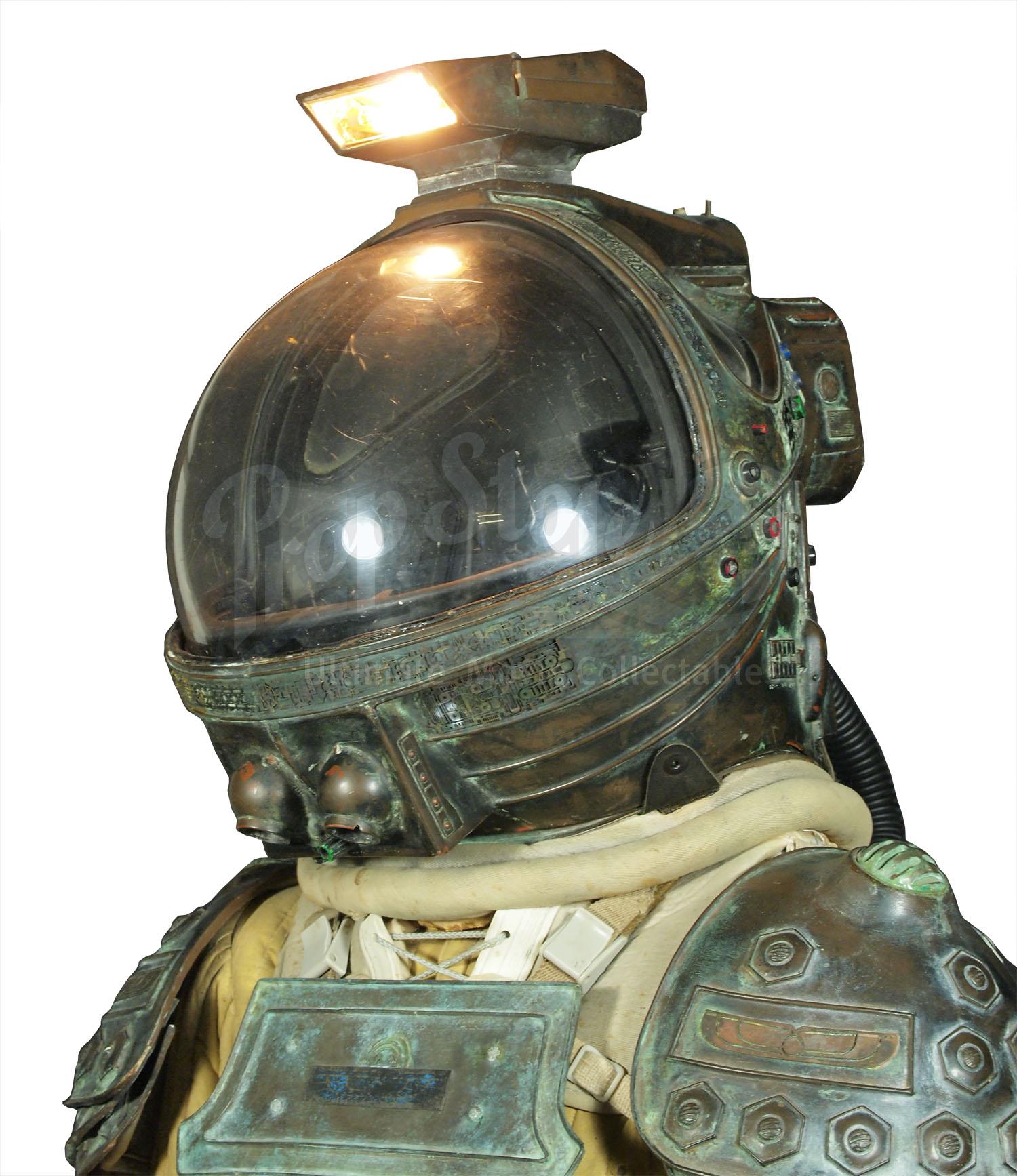 dallas alien 1979 space suit - photo #14