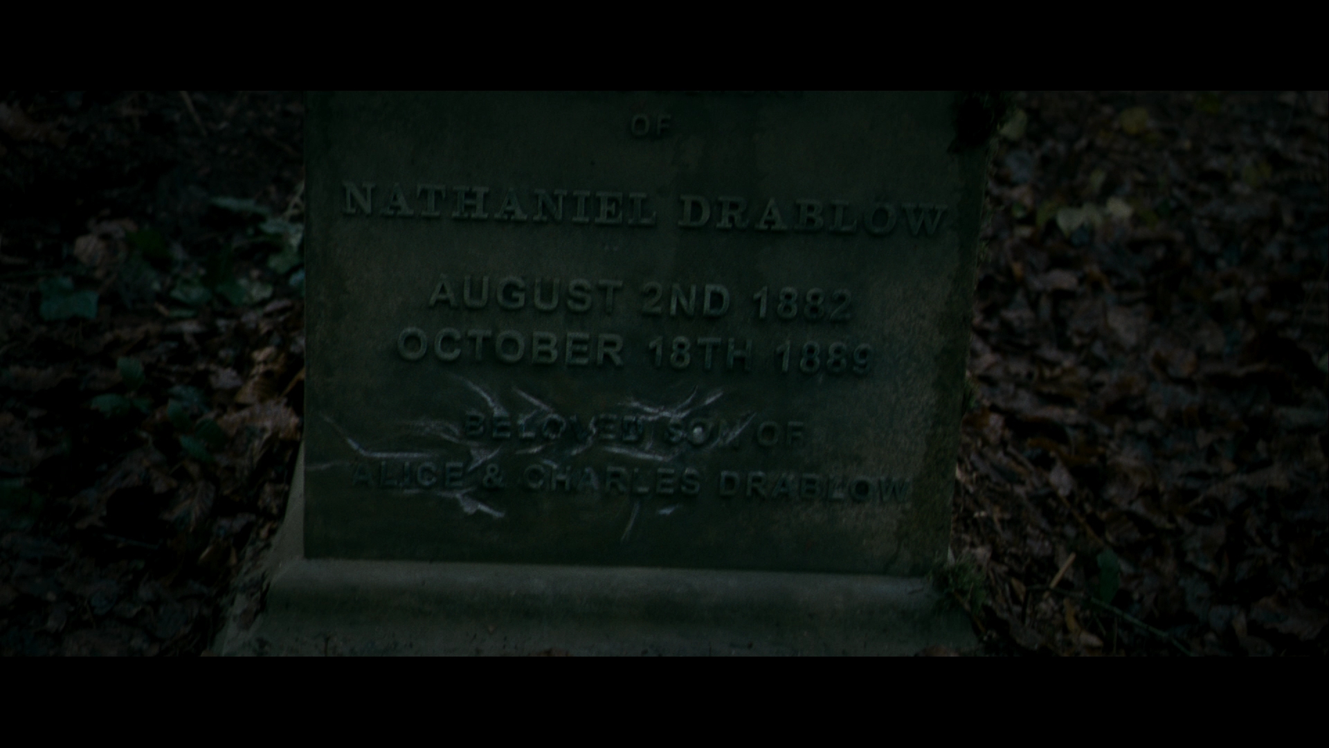the woman in black - nathaniel drablow's (ashley foster) gravestone