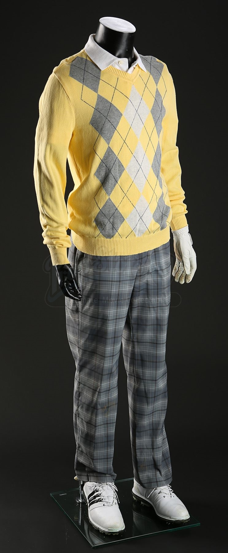 Jason Kellys Zac Efron Golf Outfit Current Price 500