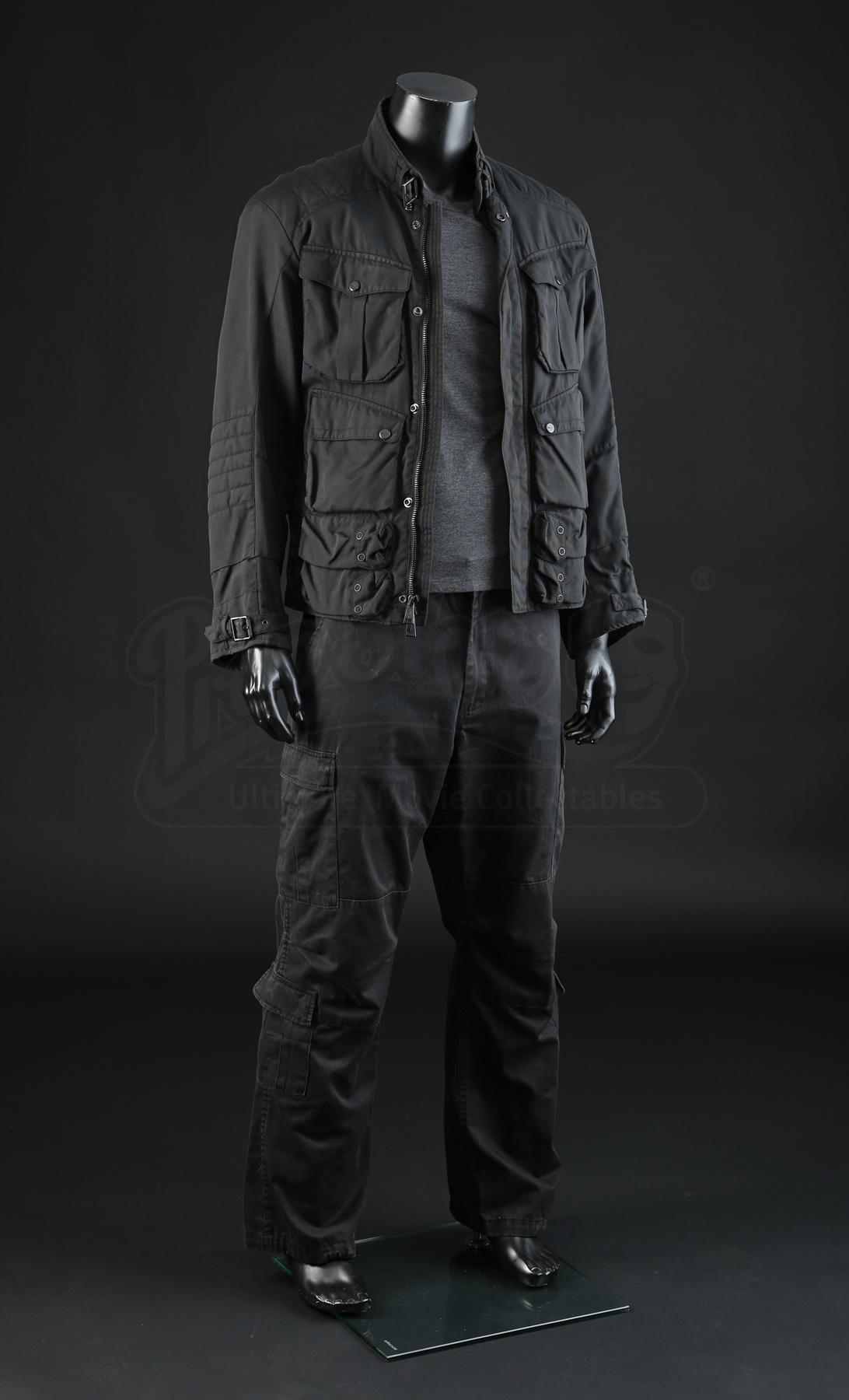 Terminator Genisys: T-800's (Arnold Schwarzenegger) Armory ...