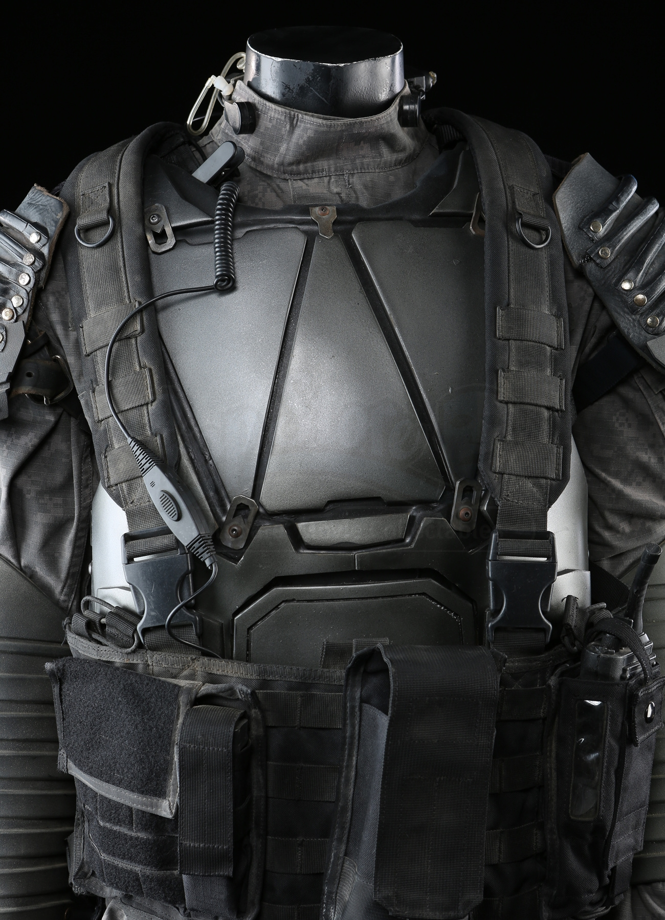 Terminator Genisys: Kyle Reese's (Jai Courtney) Future War ...