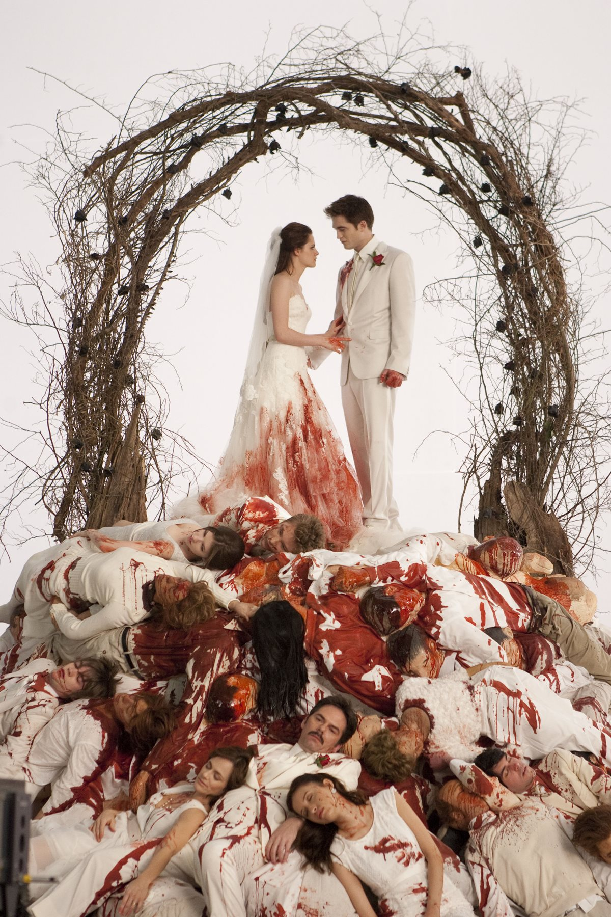 Bella Swan S Bloodstained Nightmare Wedding Dress And Veil