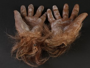 42119_Harry_&_the_Hendersons_Harry_Hands_Feet_Head_Stunt_Suit_Lot_4