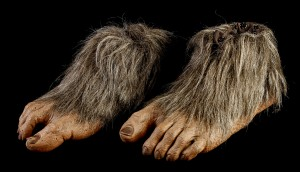 42119_Harry_&_the_Hendersons_Harry_Hands_Feet_Head_Stunt_Suit_Lot_5