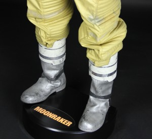 Moonraker-Spacesuit4