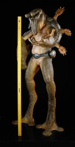 46037_Men_In_Black_Full_Sized_Mikey_Alien_scale