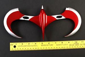 Batman_&_Robin_Robin_Throwing_Wing_scale2