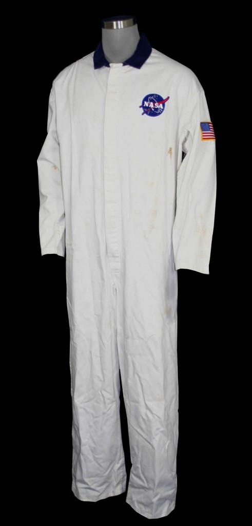 Apollo13-NasaWhiteSuit1