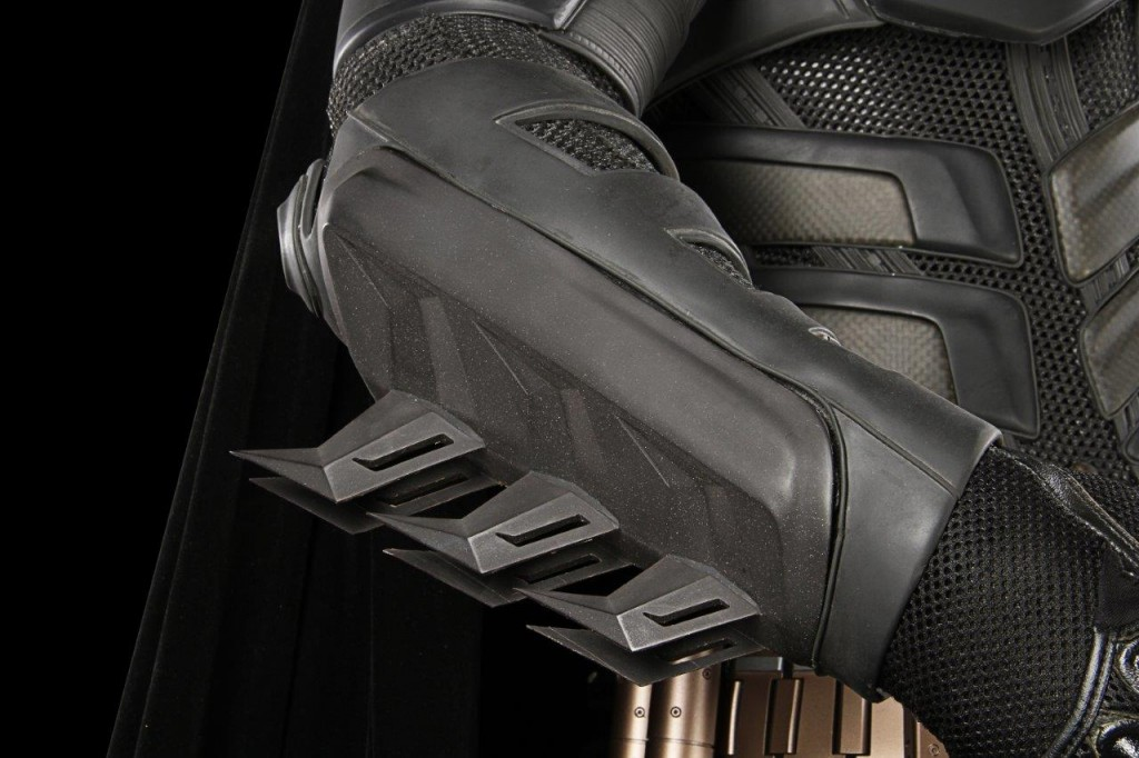 Batman - DKR - Christian Bale Batsuit (13)