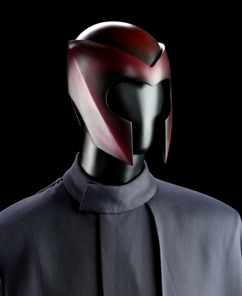 73969_Magneto-Ian-McKellen-Helmet-and-Tunic_4