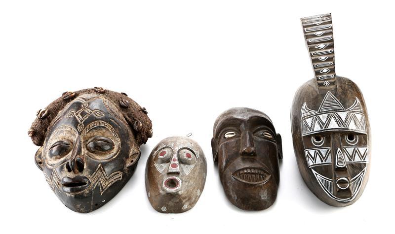65270_Four Cullen House Mask Decorations_1